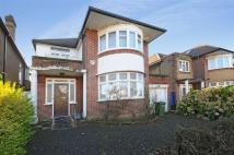 3 bed Detached property in Rowdon Avenue...