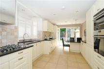4 bed Terraced home in Fortune Gate Rd...