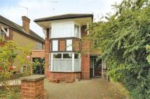5 bedroom semi detached property in Chelmsford Square...