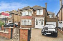 4 bed Detached property in Oman Avenue, London, NW2