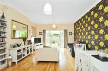 Apartment for sale in Melrose Avenue, London...