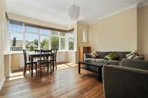 2 bed Detached house in Chatsworth Road, London...