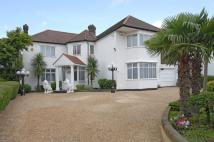 5 bedroom house in Aylestone Avenue, London...