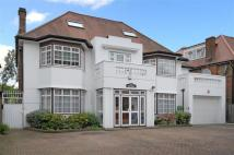 9 bedroom Detached house in Brondesbury Park, London...