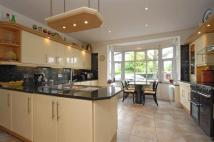 7 bedroom Detached house in Park Avenue North...