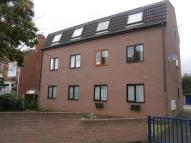 2 bed Flat to rent in Shadyside, Doncaster, DN4