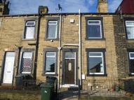 2 bedroom house to rent in Springfield Lane, Morley...