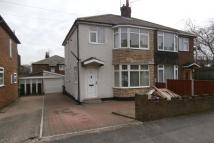 3 bed semi detached house to rent in Springfield Lane, Morley...