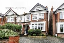 5 bedroom home in Ravensbourne Gardens...