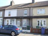 2 bed house in Charlton Street, Grays...