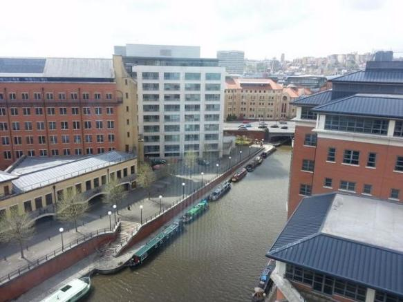 studio flat to rent in the eye temple quay bristol avon bs2. Black Bedroom Furniture Sets. Home Design Ideas