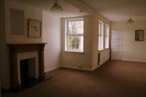 Apartment in Manor Court...
