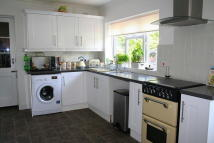 3 bed Detached Bungalow to rent in Victoria Avenue...