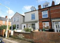 2 bedroom End of Terrace house in Buckingham Road...