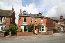3 bed semi detached home in Newbury