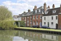 Newbury Town House to rent