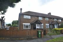 2 bed Maisonette in North Street, Carshalton...