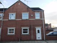 3 bedroom End of Terrace house to rent in Hugh Street, CASTLEFORD...