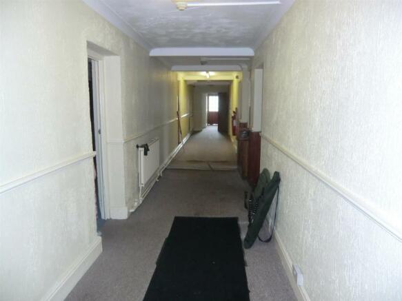 Entrance to rear Win