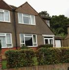 3 bedroom property to rent in Willow Road, Redhill