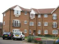 Flat to rent in Redhill, Surrey