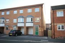 Town House to rent in Gardenia Way, Billingham