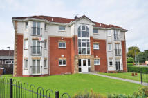 2 bed Flat to rent in Ferryfield Gardens...