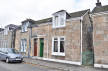 3 bed semi detached house in Buchanan Street...