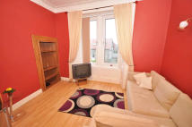 Flat to rent in Glasgow Road, Dumbarton...