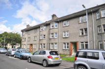 2 bedroom Flat in Eastfield Crescent...