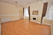 2 bedroom Flat to rent in Glasgow Road, Dumbarton...