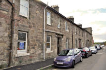 Ground Flat to rent in CASTLE TERRACE...
