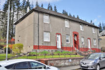 2 bed Ground Flat in 56  Hillside Avenue...