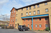 2 bedroom Ground Flat in 54/1  Strathleven Place...