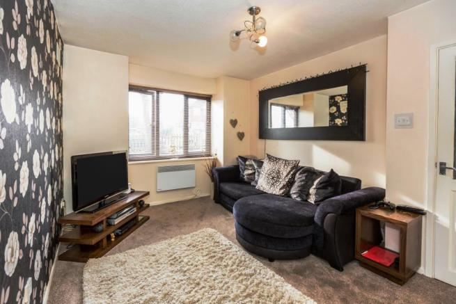 2 bedroom apartment to rent in moat lane yardley