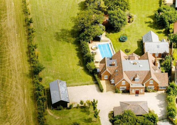 Manor HouseEDITlands