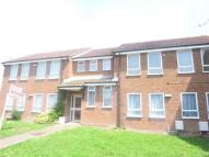 Flat to rent in Marshalls Avenue...