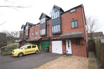 4 bed Town House to rent in Elgar Drive, SHEFFORD...