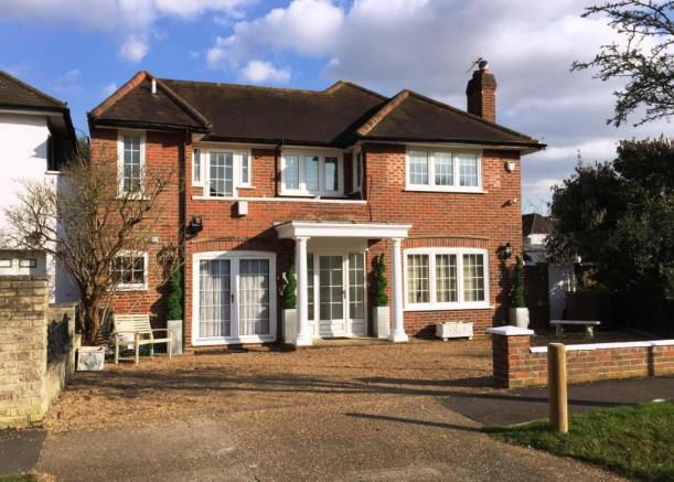 4 bedroom detached house for sale in kingston upon thames sw15