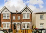 4 bed house to rent in Beaconsfield Road...