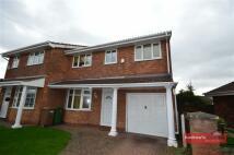 4 bed semi detached house in Oak Close, Moreton