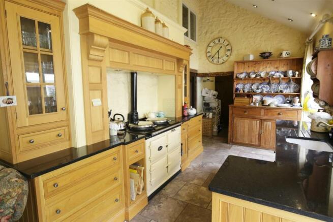 kitchen / Family Roo