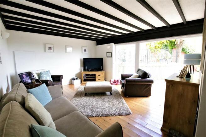First Floor Lounge/Bedroom