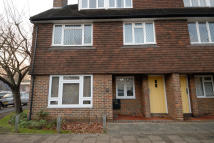 Ground Maisonette to rent in Station Approach...