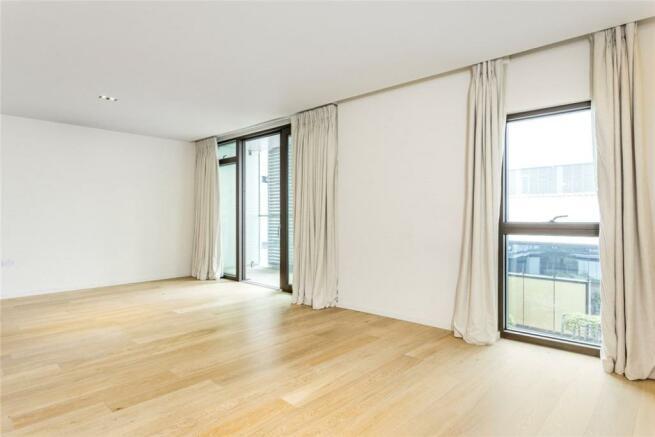N1C: Bedroom 1