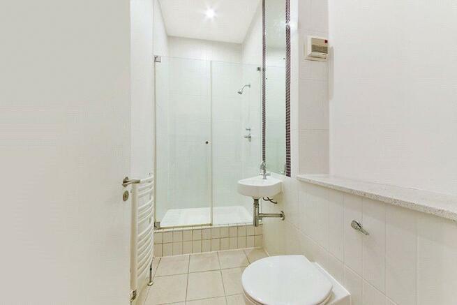 N1:En Suite Bathroom