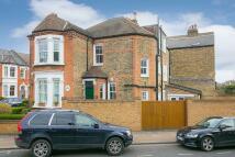 5 bedroom End of Terrace house for sale in Ravenslea Road, London