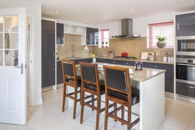 Typical Lincoln fitted kitchen with family breakfast area