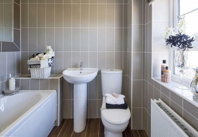 Typical Faringdon family bathroom