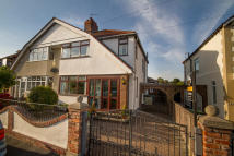 3 bed semi detached house for sale in Norwood Avenue...